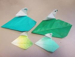 『小鳥と葉っぱ』